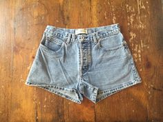 90's GAP High-Waisted Denim Shorts // Size 6 by 30ThriftyKitties