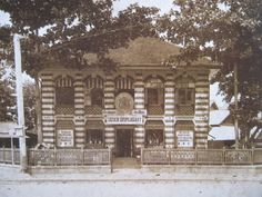 1904 view of Tatien Pharmacy along Charoen Krung Road, Bangkok