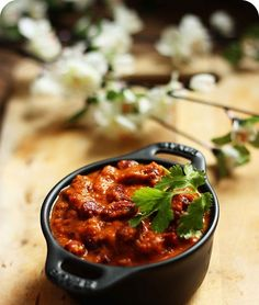 Indian vegetarian and vegan food blog about spicy Indian curry, South Indian recipes, kid friendly recipes, simple and quick Indian recipes Kidney Bean Curry, Beans Curry, Kidney Beans, Rajma Masala Recipe, Indian Curry, South Indian Food, Kid Friendly Meals, Chana Masala, Veggie Recipes