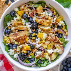 Blackberry Chicken Spinach Salad Spinach Salad With Chicken, Spinach And Cheese, Spinach Stuffed Chicken, Spinach Salads, Vegan Recipes Easy, Clean Eating Recipes, Healthy Eating, Cooking Recipes, Healthy Food