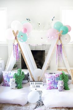 Pretty Little Daydreams is a sleepover party rental company in GR, MI. We come to you to set up our themed sleepover tents and beds! Birthday Sleepover Ideas, Fun Sleepover Ideas, Spa Birthday Parties, Sleepover Party, Spa Party, Slumber Parties, Diy Party Tent, Teepee Party, Diy Tent