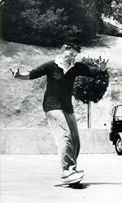 This is a photo of Katharine Hepburn skateboarding; every argument of yours is now invalid. Katharine Hepburn, Audrey Hepburn, Classic Hollywood, Old Hollywood, Hollywood Sign, Hollywood Glamour, Hollywood Actresses, Divas, Suffragette