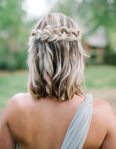 57 Unique Wedding Hairstyles For Different Necklines Short Wedding Hair Inspiration for Jenny Buckland Hair and Make up Unique Wedding Hairstyles, Trendy Hairstyles, Short Haircuts, Short Hair Bridesmaid Hairstyles, Hair For Bridesmaids, Bridesmaid Hairstyles Half Up Half Down, Popular Haircuts, Medium Length Curled Hairstyles, Braided Hairstyles For Short Hair