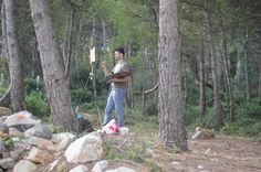 Jordi Díaz Alamà pintant a la Cala Montgó dins del Pleinair Festival.