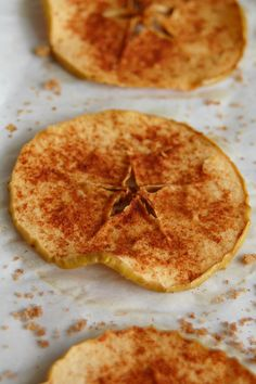 Joy in the Jumble: {Recipe} Baked Apple Chips