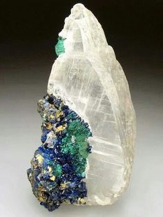 Selenite with Azurite and Malachite ❦ CRYSTALS ❦ semi precious stones ❦ Minerals And Gemstones, Rocks And Minerals, Cristal Art, Rock Collection, Beautiful Rocks, Mineral Stone, Rocks And Gems, Stones And Crystals, Gem Stones