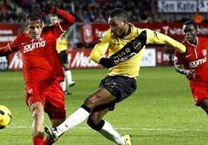 12-Dec-2013 7:23 - ROSALES KRIJGT AANBOD TWENTE. FC Twente heeft rechtsback Roberto Rosales een nieuw, meerjarig contract aangeboden. Daarmee wil de club uit Enschede voorkomen dat de 25-jarige...