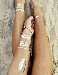 Flash Tattoos trend for summer 2014 - metallic temporary tattoos that look like jewellery - fun for summer and festivals. Flash Tattoos, Cute Tattoos, Tatoos, Ink Tattoos, Boho Tattoos, Fashion Tattoos, Gold Tattoo, Metal Tattoo, Tattoo Ideas