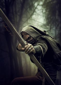 The Assassin by female thief rogue archer ranger bow arrow point blank shot Fantasy Inspiration, Story Inspiration, Writing Inspiration, Character Inspiration, Fantasy Male, Fantasy World, Fantasy Characters, Female Characters, Tattoo Indien