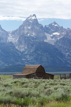 Jackson Hole, Wyoming. I took a picture of this exact building. Such beautiful mountains