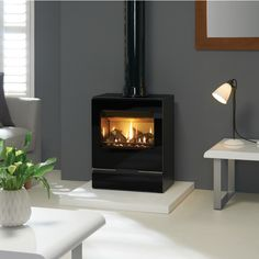 The Gazco Vision Medium is one of the larger gas stove models in the range with a powerful heat output to match, making it a great choice for installing in Electric Log Burner, Gas Log Burner, Electric Fires, Electric Stove, Inglenook Fireplace, Stove Fireplace, Foyers, Inset Stoves, Ovens