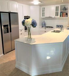 Wow what a great Kitchen installed by Verto Kitchens. 2pac 30% gloss with a profile door. Perfect complimentry benchtop om YDL Calcutta Classico. Kitchen Installation, Bespoke Kitchens, 2pac, Profile, Luxury, Home Decor, User Profile, Decoration Home, Room Decor
