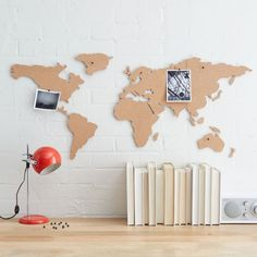 Corkboard map - great gift for the wanderlust! http://rstyle.me/n/sy4finyg6