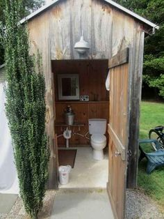 DIY outhouse plans and ideas.A properly managed outhouse is as healthful for everyone and the land as a septic system and is far more than a place to evacuate waste.DIY outhouse with solar Inspiring Outdoor Bathroom Design Inspirations %%pag Outside Toilet, Outdoor Toilet, Lavabo Exterior, Pool Bad, Outhouse Bathroom, Bathroom Plumbing, Bathroom Toilets, Outdoor Bathrooms, Outdoor Showers