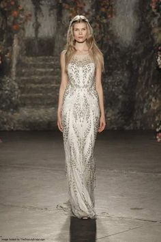 Jenny Packham  Νυφικά Άνοιξη Καλοκαίρι 2016. Jenny Packham showed her bridal  collection ... d6d43849cd7