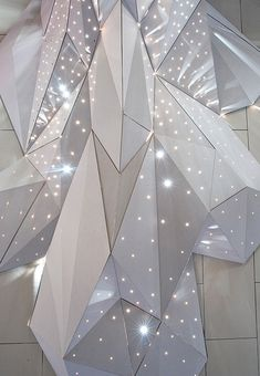 This installation, SCAD, was created for the launch of the inaugural issue of Mesh Magazine - an independent publication that showcases the work with Column Design, Stage Design, Ceiling Design, Wall Design, Digital Fabrication, Commercial Interiors, Cladding, Geometric Shapes, Lighting Design