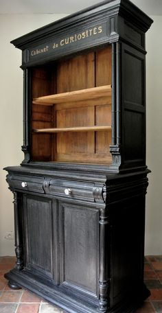 Cabinet of curiosities, makeover by Le Meuble du Photographe - Refurbished Furniture, Paint Furniture, Repurposed Furniture, Furniture Makeover, Home Furniture, Furniture Ideas, Black Painted Furniture, Dresser Makeovers, Country Furniture