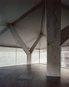 Atelier Scheidegger Keller - House with two columns, Sarnersee 2014