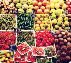 Market in madrid Mercado Madrid, Best Spanish Food, Market Stalls, European Vacation, Supper Club, Okra, Andalusia, Bon Appetit, Oysters