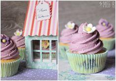 """Heute gibt es hier endlich mal Blaubeer-Cupcakes. Der Blog heißt zwar """"Miss Blueberrymuffin"""" aber auf dem Logo ist ein Cupcake. Ja, ein ..."""