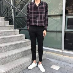 men'soutfits men's outfits boyfriends is part of Mens fashion edgy - Kpop Fashion Outfits, Ulzzang Fashion, Korean Outfits, Denim Fashion, Men's Outfits, 70s Fashion, Fashion Tips, Korean Fashion Men, Best Mens Fashion