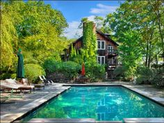Robert Redford Oscar-winning actor Robert Redford lived in this rustic contemporary residence in Weston, Conn., until he sold it in 1998. The home makes the most of its serene wooded surroundings with multileveled decks, a gazebo and a lovely in-ground pool and spa.
