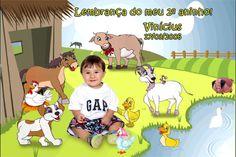 Fotomontagem com a foto da criança e o tema Fazendinha