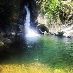 Agua fría del campo, paraíso escondido. Río