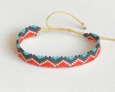 Loom Bracelet Patterns, Bead Loom Bracelets, Peyote Bracelet, Bracelet Crafts, Beaded Jewelry Patterns, Braided Bracelets, Friendship Bracelet Patterns, Friendship Bracelets, Brick Stitch