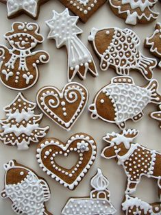Fancy Cookies, Iced Cookies, Easter Cookies, Christmas Cookies, Christmas Mood, Noel Christmas, Christmas Treats, Christmas Baking, Gingerbread Decorations