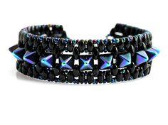 Pyramide - beaded bracelet