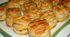 Leveles tepertős pogácsa recept: Egy könnyű, leveles tepertős pogácsa recept. Mindenképp próbáld ki, nem fogod megbánni! ;) http://aprosef.hu/leveles_toportyus_pogacsa_recept
