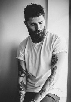 great beard, good looking guy! hair and beard option. Hot Beards, Great Beards, Pretty Men, Beautiful Men, Chris Millington, Chris John, Pose, Perfect Beard, Beard Tattoo