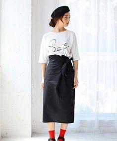 【ZOZOTOWN】AZUL by moussy(アズールバイマウジー)のTシャツ/カットソー「C天竺手描き風ナンバーロゴドルマンT」(2509AW90-3072)をセール価格で購入できます。