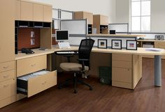 Office spaces often serve multiple purposes. Do you need somewhere to collaborate, but also an area to hunker down and get work done? Try this multi-function solution! Dividers give you the opportunity to change it up according to your current office needs! www.furniturebygeorge.com ‪#‎MultiPurpose‬ ‪#‎Transformation‬ ‪#‎StPetersburg‬