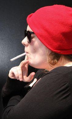 Adele smoking cigarettes