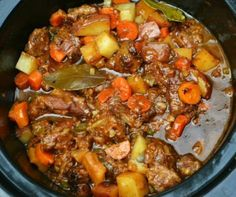 Crockpot BEST EVER Beef Stew - Seriously! Who doesn't like a hearty bowl of beef stew when the snow is falling outside? Crockpot BEST EVER Beef Stew - Seriously! Who doesn't like a hearty bowl of beef stew when the snow is falling outside? Best Crockpot Beef Stew, Crockpot Dishes, Crock Pot Cooking, Beef Dishes, Crock Pots, Crockpot Meals, Beef Stee Crockpot, Best Beef Stew Recipe Stove Top, Crockpot Beefstew