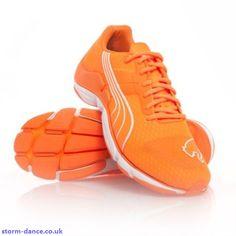 puma mobium elite glow trainers orange - marathon trainers