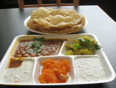Halwa Puri is a traditional Pakistani and Indian breakfast dish. It is also a favorite menu item at wedding ceremonies. It is now famous all around the world for its unique aromatic taste. Indian Breakfast, Breakfast Items, Breakfast Dishes, Pakistani Dishes, Pakistani Recipes, Yellow Foods, Desi Food, Kebabs, Biryani