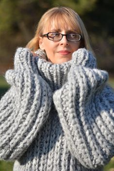 Pull en laine en laine en jersey trapu fait main à la main | Etsy Hand Knitting, Knitting Patterns, Sewing Patterns, Thick Sweaters, Wool Sweaters, Gros Pull Long, Mohair Sweater, Men Sweater, Pull Mohair