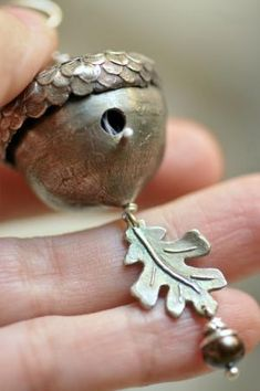 Acorn Birdhouse Pendant with wren on eggs inside by Christi Anderson for Daisy. / A great Metal Clay Idea Clay Jewelry, Metal Jewelry, Jewelry Art, Silver Jewelry, Jewelry Design, Jewellery, Animal Jewelry, Pretty Things, Do It Yourself Jewelry