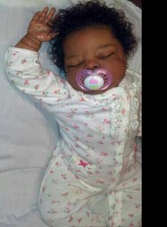 Pretty Lil Black Baby Doll she looks so real Fake Baby Dolls, Real Looking Baby Dolls, Life Like Baby Dolls, Black Baby Dolls, Cute Black Babies, Realistic Baby Dolls, Reborn Babies Black, Reborn Baby Boy Dolls, Newborn Baby Dolls