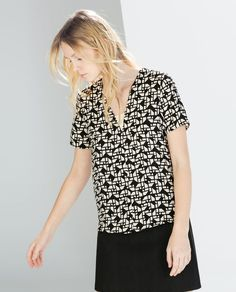 PRINTED V-NECK BLOUSE from Zara