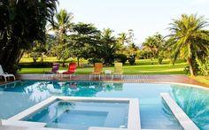 A piscina projetada pela arquiteta Selma Tammaro foi dividida em partes específicas para as crianças. Foto: Divulgação