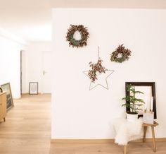 Der simple Mix aus Neu und Alt. Kitsch, Home Decor, Minimalism, Home Decor Accessories, Christmas, Homes, Dekoration, Decoration Home, Room Decor