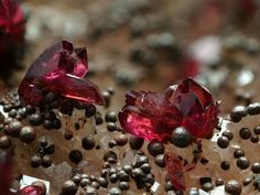 Roselite rose-red | Geology page |
