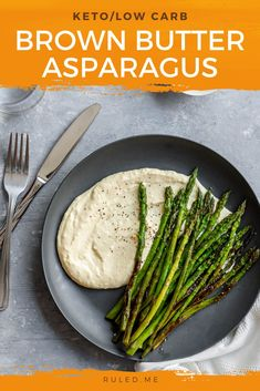 Cheesy, creamy eggs are the perfect side to the browned butter asparagus spears. Fresh asparagus spears are cooked with butter that has been pre-melted and is golden brown in color. This is then paired with blended scrambled eggs, parmesan, and sour cream, delivered to a creamy perfection. #ketoasparagus #brownbutter #asparagus #ketorecipes Salad Recipes Low Carb, Lunch Recipes, Keto Recipes, Dinner Recipes, Cooking Recipes, Healthy Recipes, How To Cook Asparagus, Fresh Asparagus, Low Carb Side Dishes