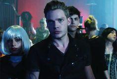 [VIDEO] 'Shadowhunters' Spoilers — Cast Reveals Series' Key Vocab   TVLine