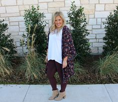 This outfit features my go to moto leggings! This is such a simple outfit that anyone can recreate! Pair it with a duster and you're ready to go!
