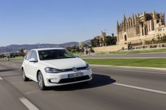 VW e-Golf – Mehr Reichweite und ein paar smarte Lösungen Weil Autos einfach Spaß machen!